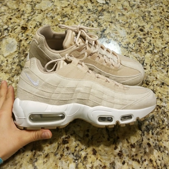 pretty nice afe50 9c0be WOMENS NIKE AIR MAX 95 SD 919924-100. M5a5d780705f43065a5756780